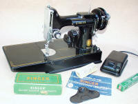 1955 Black Singer Featherweight 221 Sewing Machine