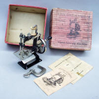 Little Comfort TSM Toy / Travel Size / Child-Size Antique Sewing Machine