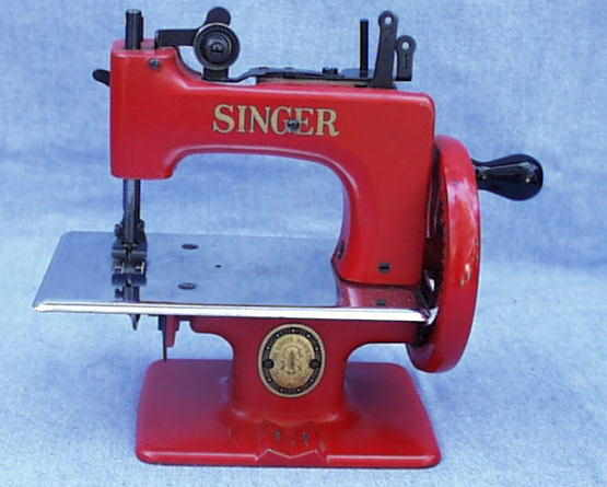Meeker's WwwAntiqBuyer Past Sales Archive Antique Singer Toy Extraordinary 1953 Singer Sewing Machine